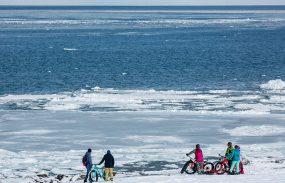 流氷を眺め、雪の上で遊ぶスノーライド(前編)